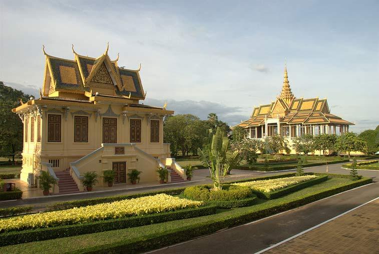 Королевский дворец, Пномпень. Камбоджа. Photo credit: Vinayak Hegde, Flickr