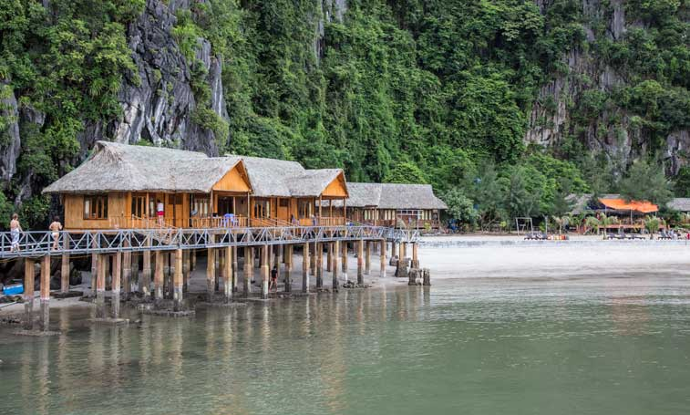 Cat Ba Sandy Beach