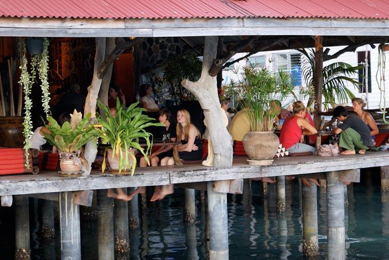 Закат в бухте Банг Бао