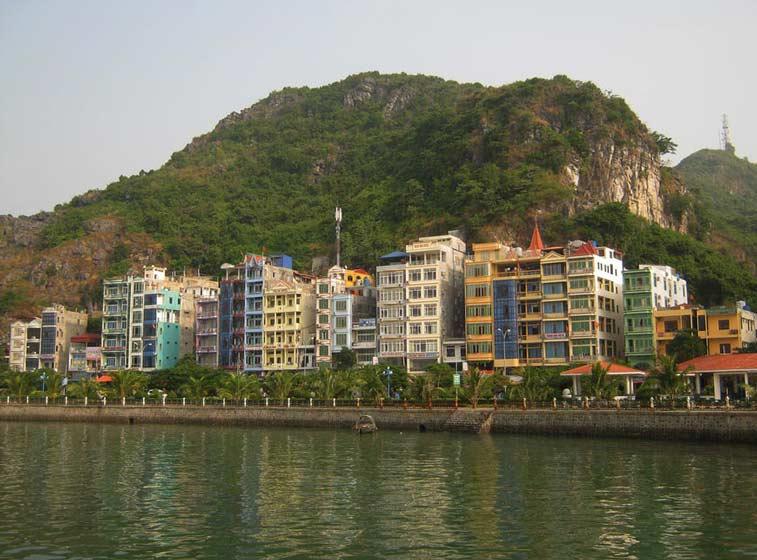 Халонг, Бухта Халонг, Вьетнам