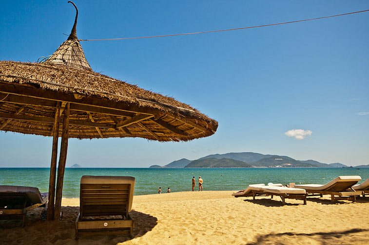 Пляж на островах вблизи Нячанга, Вьетнам. Photo credit: Vietnam Connection Travel, Flickr