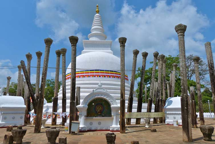 Ступа Тупарама, Анурадхапура, Шри Ланка