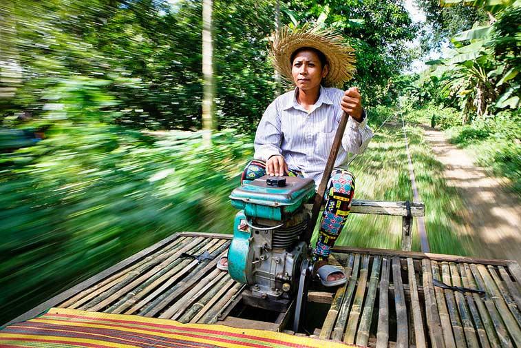 Бамбуковый поезд. Баттамбанг, Камбоджа. Photo credit: Kristen Elsby, Flickr
