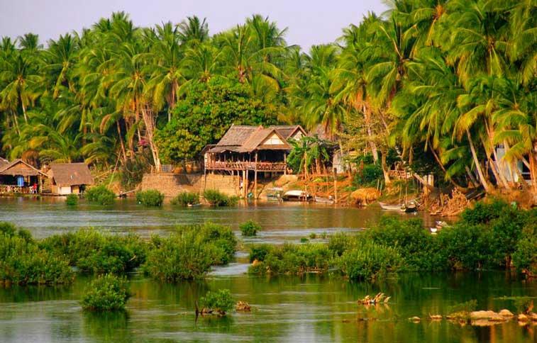 Дон Дет, Лаос