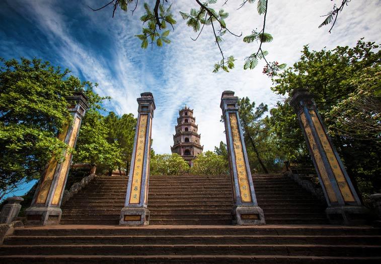 Пагода Тьен Му. Хюэ, Вьетнам. Photo credit: [ 117 Imagery ], Flickr