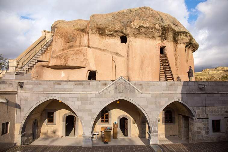 Мустафапаша и Долина монастырей