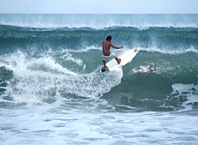 Уроки сёрфинга на Куте