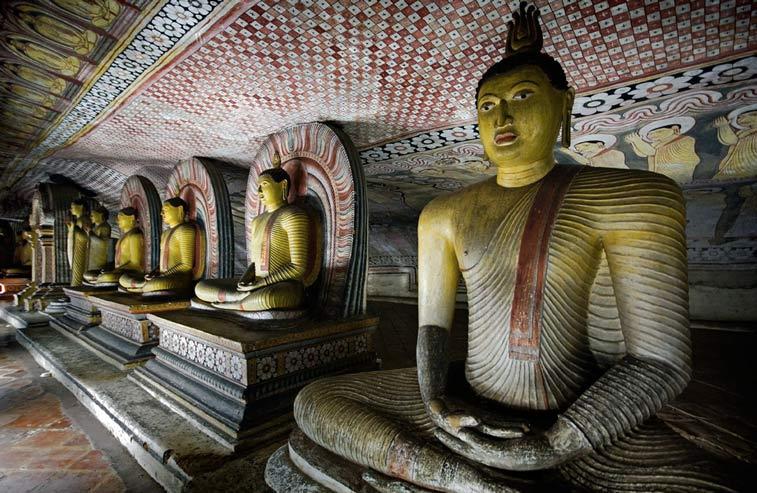 Статуи Будды. Photo credit: Sander Groen, Flickr