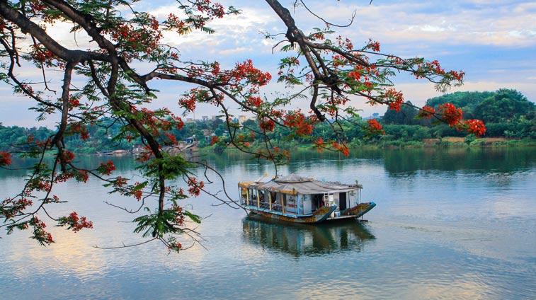 ароматная река хюэ вьетнам