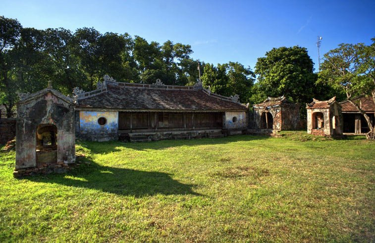 Long Chau Mieu - Храм плачущих слонов в Хюэ
