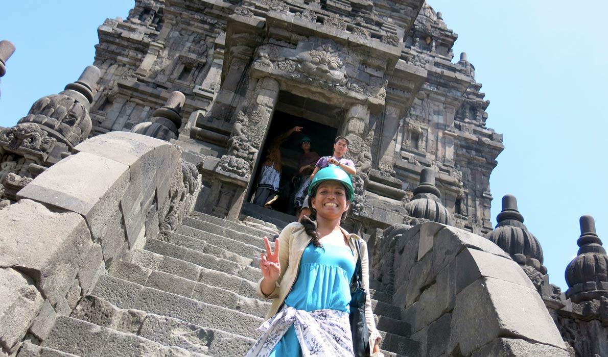 Из-за землетрясения 2006 года храм Шивы классифицируется как «относительно стабильный», это значит, что при его посещении может потребоваться защитный шлем предохраняющий от падения мелких обломков. Photo credit: geoventurer