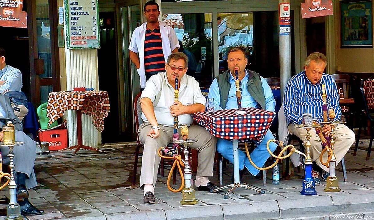 Типичные картина турецких улиц. Little Hand Images, Flick
