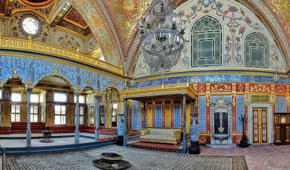Один из залов дворца. Photo credit: dicaseuropa