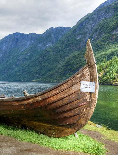 Нерёй-фьорд и Гудванген