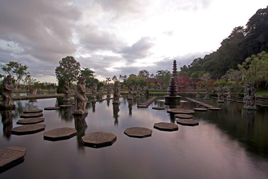 Сады Тирта Ганга