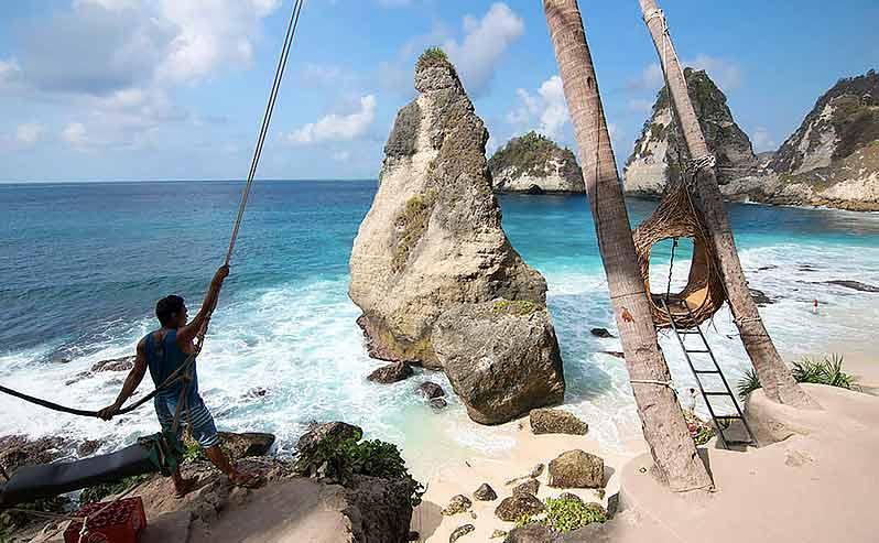 Фото-спот с «гнездом», пляж Diamond Beach