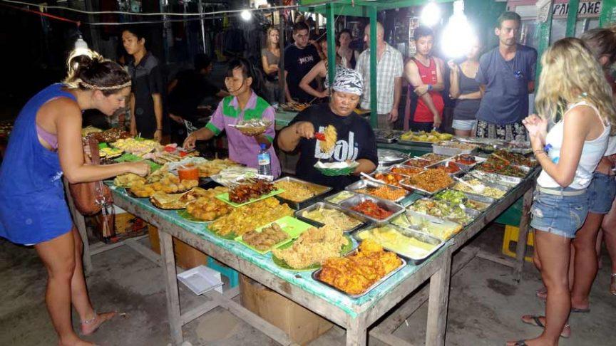 Ночной рынок, Гили Траванган