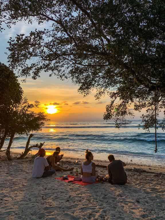 Закат на Травангане