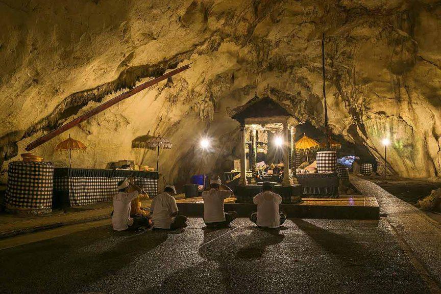 Пещеры Giri Putri Cave на Пениде