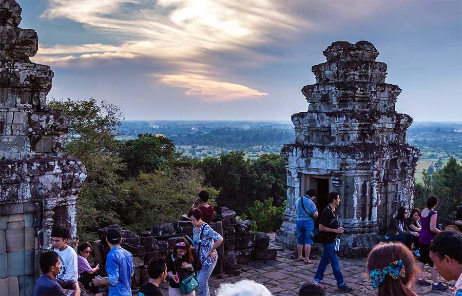 Храм Пхном Бакхенг (Phnom Bakheng)